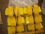 Excavator track carrier idler Bulldozer track roller  made in china